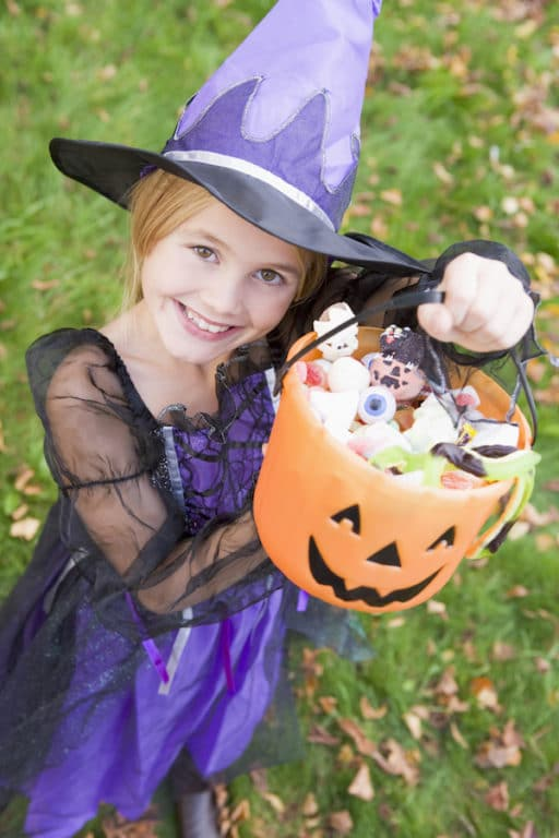 Girl with food allergies safely trick-or-treating